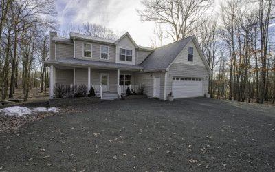 Beautiful Masthope Home for Sale! 175 Karl Hope Blvd Lackawaxen PA 18435