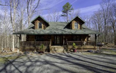 Fantastic Masthope Log Home For Sale! 121 Pebble Rock Rd., Lackawaxen