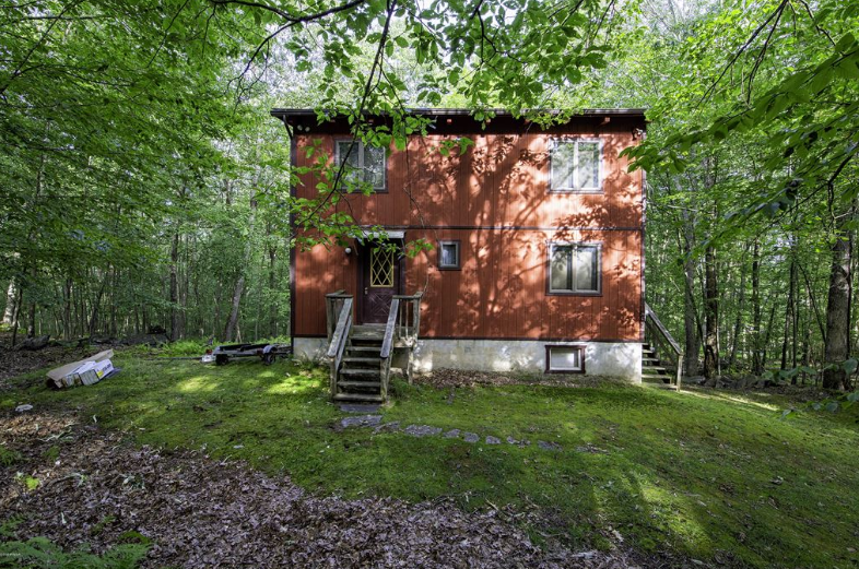 Masthope Cozy Cabin for Sale