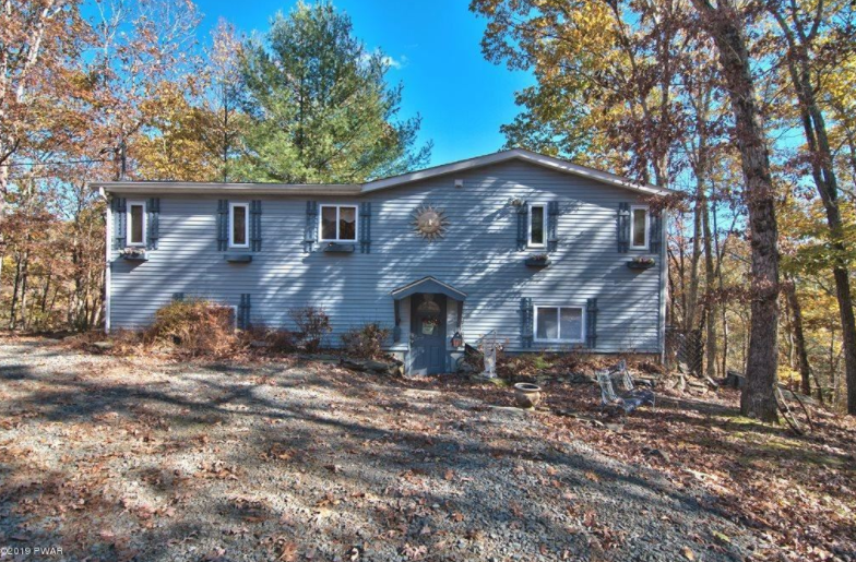 Masthope Home for Sale With Breathtaking View – 133 Minuteman Ln