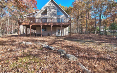 Masthope Chalet for Sale – 150 Pebble Rock Rd