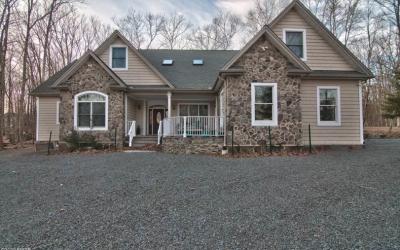 Excellent Masthope Home For Sale – 255 Upper Independence Dr