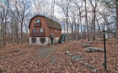 Charming Masthope Home For Sale – 164 Karl Hope Blvd