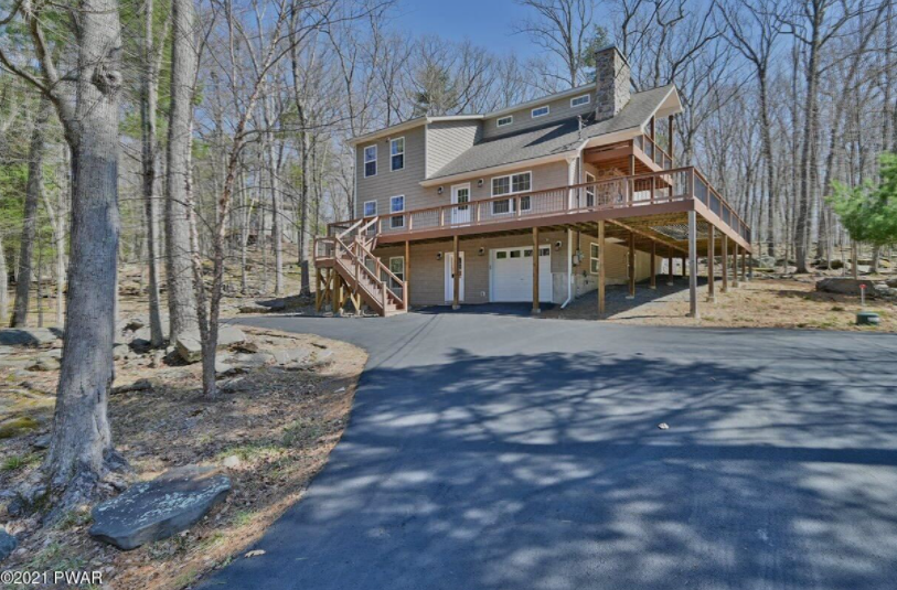 Mountain Masthope Home For Sale – 140 Bridle Rd