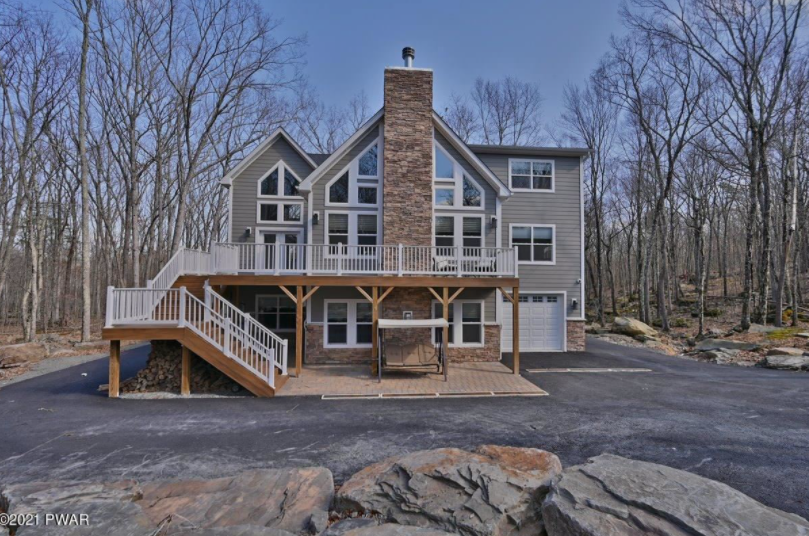 Masterpiece MasthopeHome For Sale – 109 Pheasant Ct