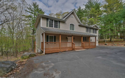 Masthope Mini Mansion Home for Sale – 162 Falling Waters Blvd