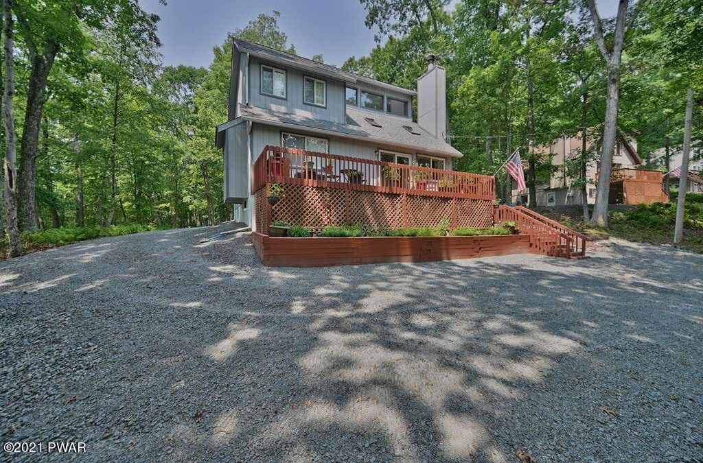 Move-in-ready Masthope Home for Sale – 111 Laurel Rd