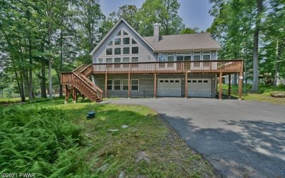 Spectacular Masthope Mountain Chalet for Sale – 256 W Lakeview Rd
