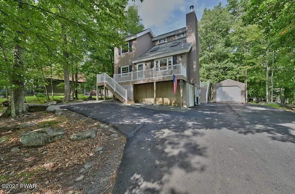 Impeccably Maintained Masthope Home for Sale -163 Karl Hope Blvd