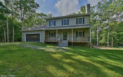 Beautiful Like-New Masthope Home for Sale – 128 Robin Way
